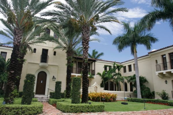 The Right Way to Buy a Luxury Home in South Florida