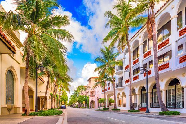Palm Beach's Spec Mansion Market