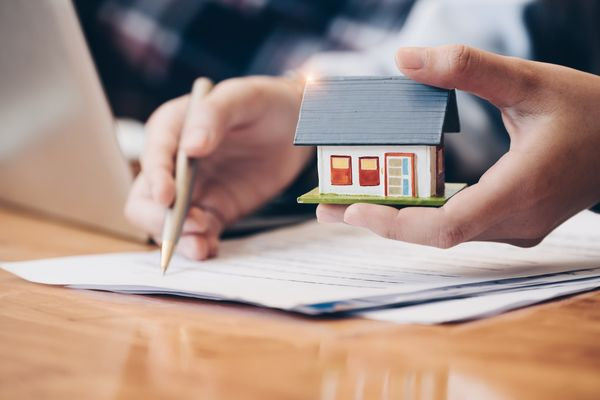 The Importance of Working with the Right Florida Real Estate Attorney